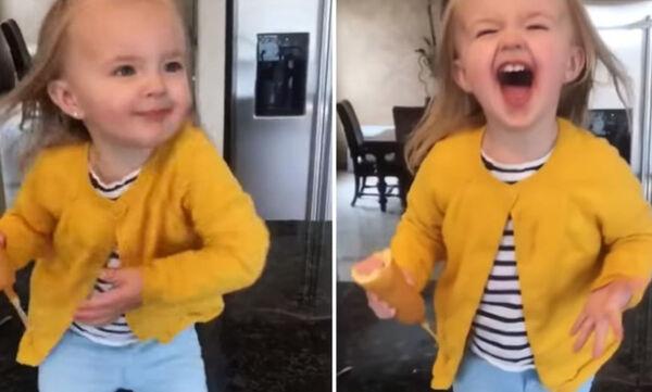 Ενός έτους κοριτσάκι χορεύει Beyonce και γίνεται viral στο διαδίκτυο