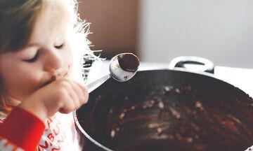Νηστίσιμα σοκολατένια τρουφάκια με τρία υλικά
