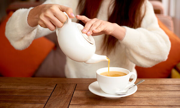 Tips για μαμάδες: Διώξτε την ένταση με αυτές τις συνταγές για τσάι