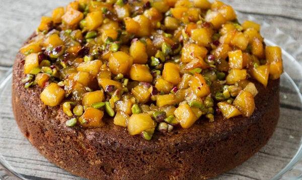 Κέικ μήλου με φιστίκια Αιγίνης - Φτιάξτε το κι εσείς
