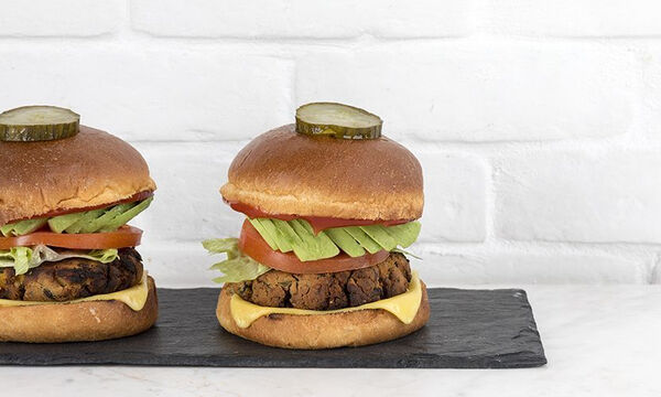 Νηστίσιμο burger με μανιτάρια για όλη την οικογένεια