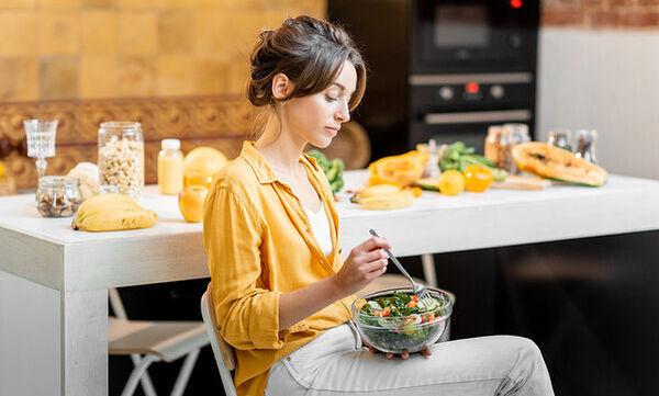 Δέκα ιδέες για νηστίσιμα και υγιεινά snacks