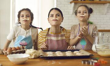 Μπισκότα για παιδιά με μόλις τρία υλικά