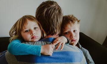Η ενεργή, πατρική συμμετοχή συμβάλλει στη βελτίωση της ζωής του παιδιού