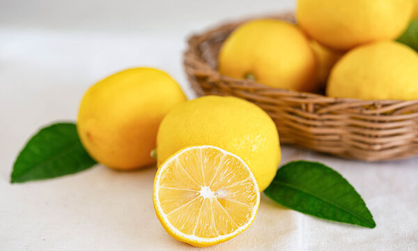 Tips για μαμάδες: Οκτώ χρήσεις του λεμονιού που δε γνωρίζατε