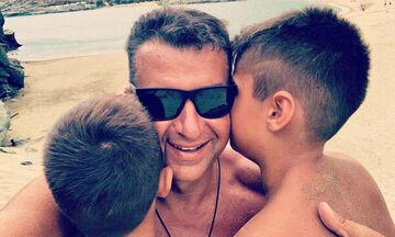 Γιώργος Λιάγκας: Για μπάνιο με τους γιους του το Σαββατοκύριακο (pics)