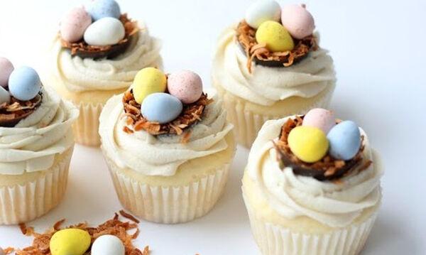 Μαγειρεύουμε παίζοντας: Φτιάξτε πασχαλινά cupcakes παρέα με τα παιδιά