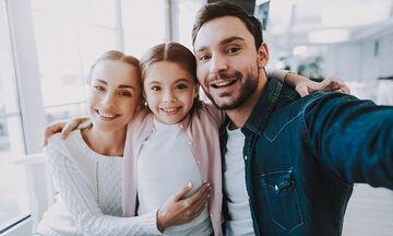 Μπορούν οι γονείς να είναι φίλοι με τα παιδιά τους;