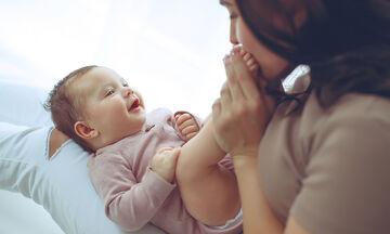 «Το μωρό μου με αγνοεί - Είναι φυσιολογικό;»