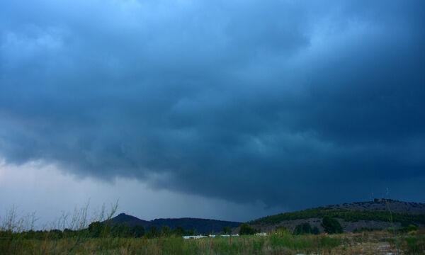 Καιρός - Ο χειμώνας επέστρεψε: Πέμπτη με βροχές και πτώση της θερμοκρασίας - Πού θα χιονίσει