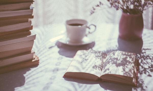 Η καλύτερη ώρα να διαβάσεις ένα βιβλίο (και 9 για να διαλέξεις)