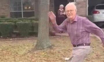 Ο παππούς που τρέχει καθημερινά να χαιρετήσει τις εγγονές του (vid)