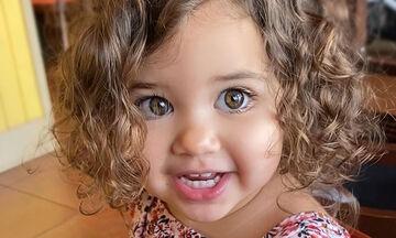 Μοντέλο από κούνια - Η 2χρονη που κάνει θραύση με τις πόζες της