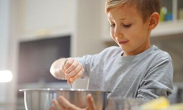 Η απόλυτη συνταγή για πασχαλινό κέικ καρότου είναι αυτή (vid)