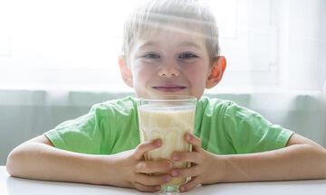 Πασχαλινό smoothie με 4 υλικά που θα ξετρελάνει τα παιδιά (vid)