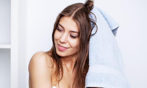 Tips για μαμάδες: DIY conditioner για τα μαλλιά με ελαιόλαδο και μέλι (vid)