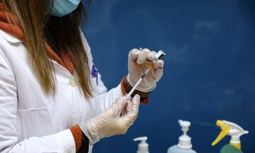 Θρομβώσεις: Πώς ένα εμβόλιο έναντι του κορονοϊού μπορεί να προκαλεί μια σπάνια διαταραχή