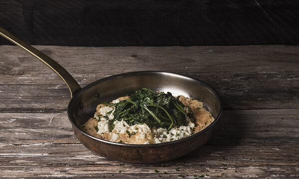 Αφράτη ομελέτα με σπανάκι - Εύκολη και γρήγορη συνταγή