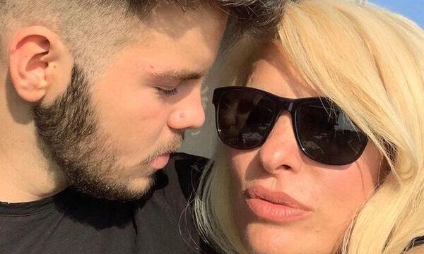 Ελένη Μενεγάκη: Βόλτα με τον γιο της στην Κηφισιά - Δείτε τις νέες φώτο