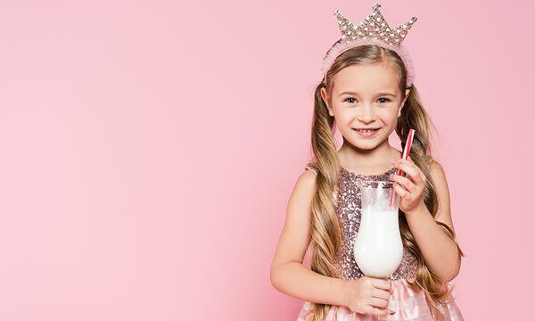 Έξι διαφορετικά milkshakes για νήπια και μεγαλύτερα παιδιά (vid)