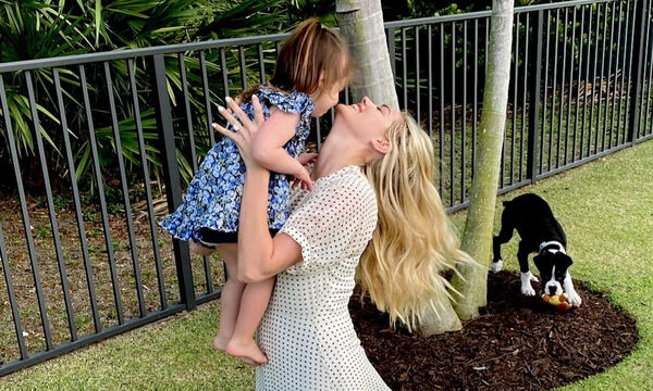 Copy the (mini) look: H κόρη της Kate Upton, Genevieve, έχει δείξει ήδη την αδυναμία της στα φλοράλ