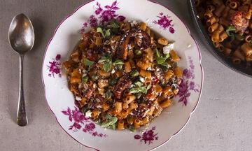 Χταπόδι με κοφτό μακαρονάκι - Η πιο νόστιμη συνταγή είναι αυτή