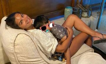 Σταματίνα Τσιμτσιλή: O γιος της τρώει κι εκείνη …σελφάρει