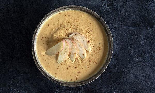 Πρωινό για μαμάδες: Γιαούρτι με καρότο και μήλο - Φτιάξτε το σε 5 λεπτά