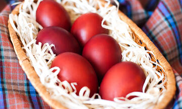 Tips για μαμάδες: Πόσο χρόνο πρέπει να βράσετε τα αυγά πριν τα βάψετε