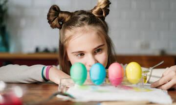 Χειροτεχνίες για παιδιά: Φτιάξτε όμορφες αυγοθήκες για τα πασχαλινά σας αυγά
