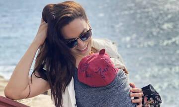 Κρυσταλλία: Κουκλί ο γιος της στις νέες φωτογραφίες που δημοσίευσε