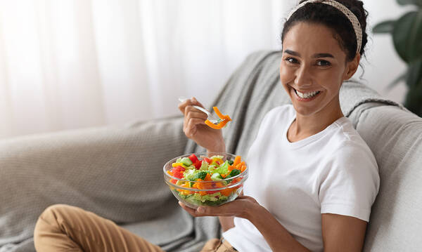 Επτά συνταγές για γρήγορο και υγιεινό φαγητό με λίγες θερμίδες