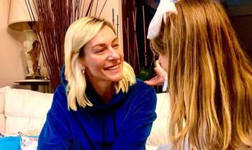 Ζέτα  Δούκα: Δείτε τα λαχταριστά κουλουράκια που έφτιαξε η κόρη της