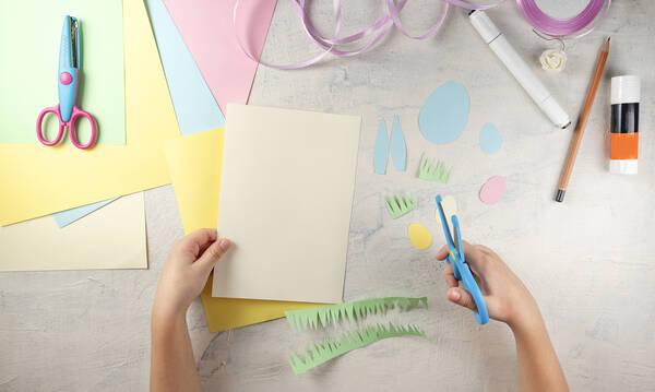 Κατασκευές για παιδιά: Πέντε χειροτεχνίες με λουλούδια για την Πρωτομαγιά