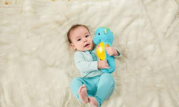 «Όταν κοιμάται το μωρό, να κοιμάσαι κι εσύ»: Γιατί είναι αδύνατον να εφαρμόσεις αυτή τη συμβουλή