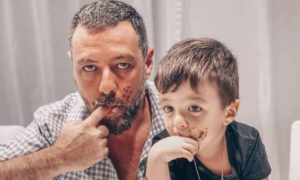 Νικήτας Παπαγιάννης: Ανέβηκε στον πάγκο της κουζίνας και φτιάχνει τσουρέκι