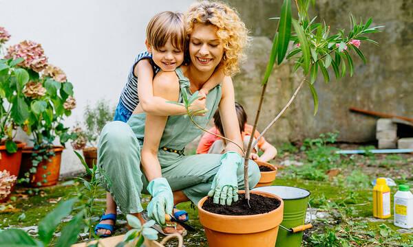 Tips για μαμάδες: Φροντίστε τα φυτά και τον κήπο με μαγειρική σόδα