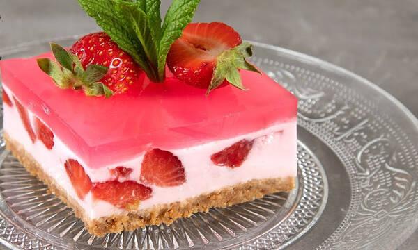Γιαουρτογλυκό με ζελέ και φράουλες - Τα παιδιά θα το λατρέψουν