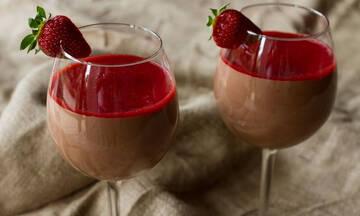 Μους σοκολάτας με φράουλες - Έτοιμη σε 20 λεπτά