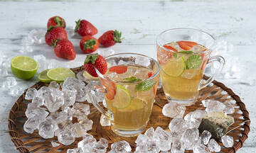 Iced tea cocktail με φράουλες για μαμάδες και εγκύους