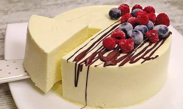 Απίθανο γλυκό χωρίς ζάχαρη και αλεύρι - Δεν χρειάζεται καν ψήσιμο