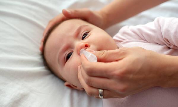 Βουλωμένη μύτη μωρού: Μυστικά για σωστό καθαρισμό