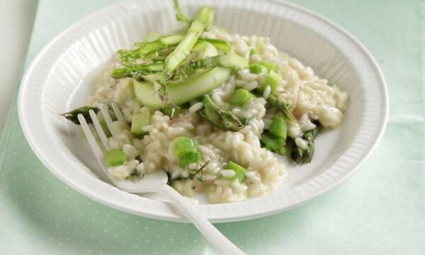 Ριζότο με σπαράγγια - Εύκολο και υγιεινό φαγητό για όλη την οικογένεια