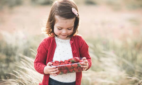 Φτιάξε μους φράουλας με 3 υλικά μέσα σε 10 λεπτά - Τα παιδιά θα ξετρελαθούν