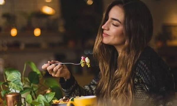 Οι «κανόνες» της vegan διατροφής που αξίζει να ακολουθείς ακόμη και αν δεν είσαι χορτοφάγος