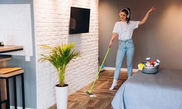 Η καλύτερη μουσική για να καθαρίσουν οι μαμάδες το σπίτι τους (vid)