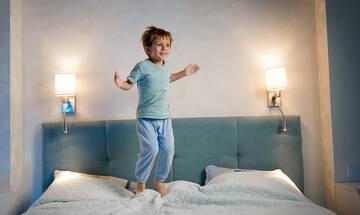 Όταν το νήπιο αργεί να κοιμηθεί το βράδυ - Τι μπορείτε να κάνετε