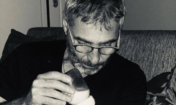 Θοδωρής Αθερίδης: Ένας παππούς σκέτη γλύκα - Η φώτο με τον εγγονό του