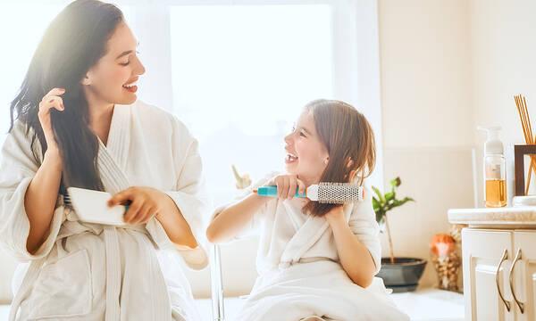 Ομορφιά για μαμάδες: Tips για δυνατά, λαμπερά και υγιή μαλλιά