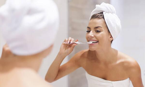 Η οδοντόκρεμα για τα ούλα που φροντίζει και το σμάλτο σου